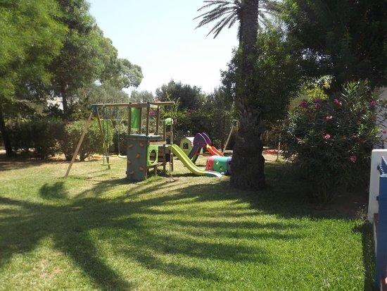 Club Eldorador Salammbo: Jardin pour les  enfants à proximité mini club
