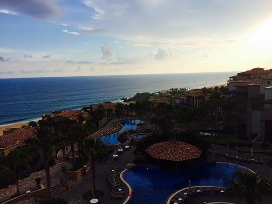 Pueblo Bonito Sunset Beach Golf & Spa Resort: View from our balcony