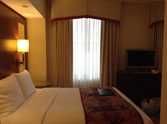 Residence Inn Columbus Downtown: room