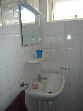 bad waschbecken bungalowpark puik en duin antik waschbeckenunterschrank