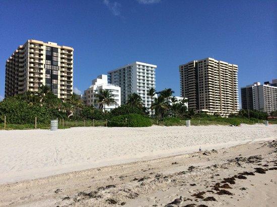 COMO Metropolitan Miami Beach: View of Metropolitan by COMO (smaller white building)