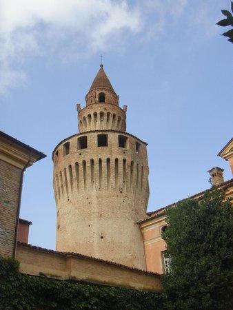 Castello di Rivalta: la torre di solari