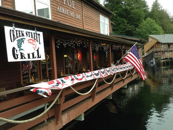 Creek Street: A restaurant on the water