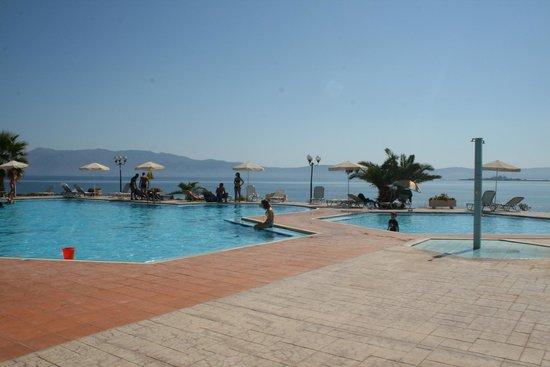 Balos Beach : pool area