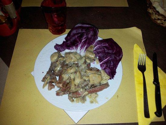 Osteria Castello di Selvole: tagliata ai funghi porcini