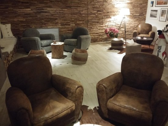 SooChic Restaurant & Lounge Bar: cigar-room