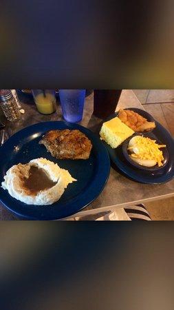 The Front Porch Restaurant & Pie Shop: Meatloaf dinner...delicious.