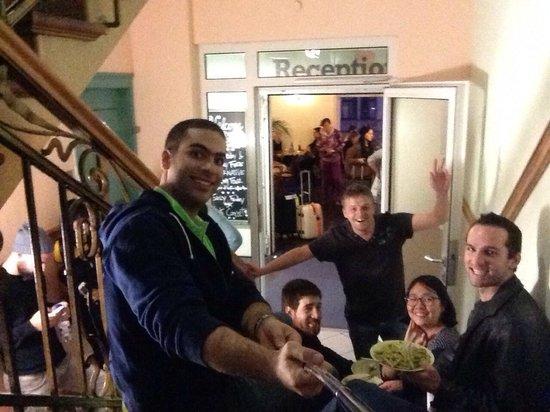 Frankfurt Hostel: Selfie on the stairs eating