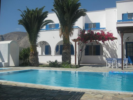 Villa Clio: around the pool