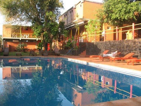 Hostel Park Iguazu: piscina