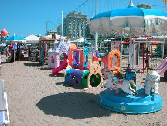 "Hotel Ines: jeux enfants"" la playa"""