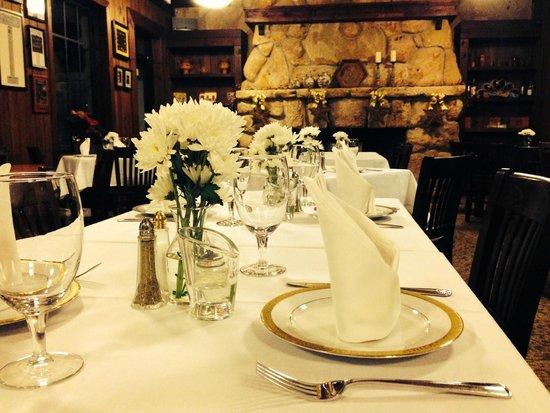 Chucherias Hondurenas: Main Dining