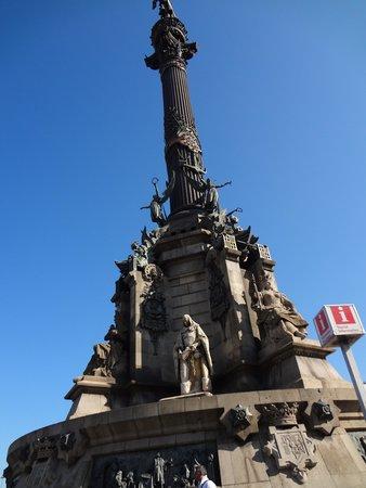 Monumento a Cristoforo Colombo : Estátua de Cristóvão Colombo