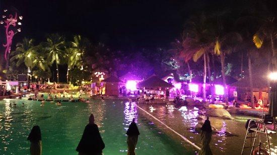 Hard Rock Hotel Pattaya: Foam Party every Saturday night