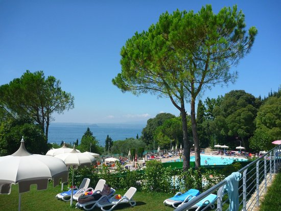 La Rocca Camping Village: Pool View