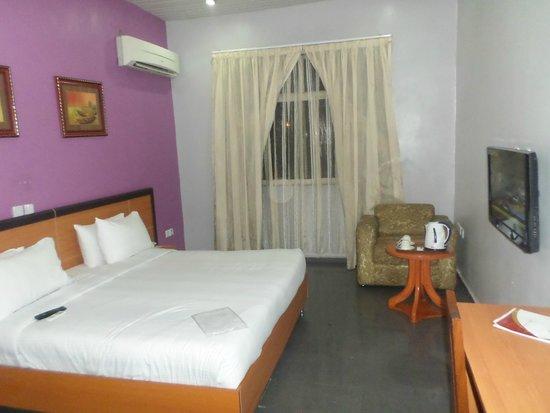 3J's Hotels: Room