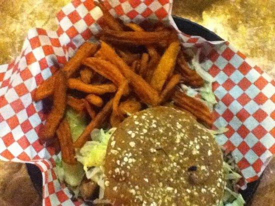Oscar's Cafe : Amazing burger