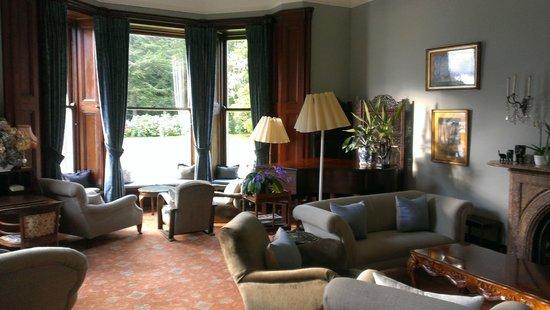 Currarevagh House: sitting room