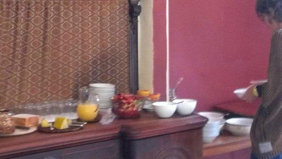 Currarevagh House: breakfast spread