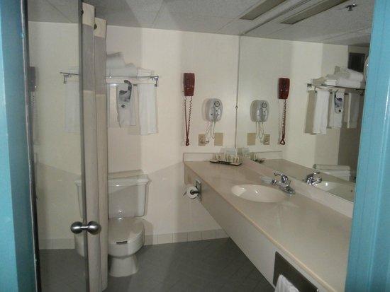 Holiday Inn  Panama City: Vanity in Room 407