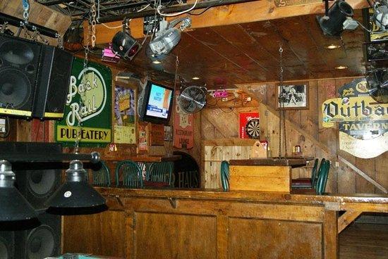 Luckydog Tavern & Grill: Tavern