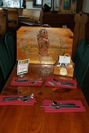 Luckydog Tavern & Grill: Restaurant