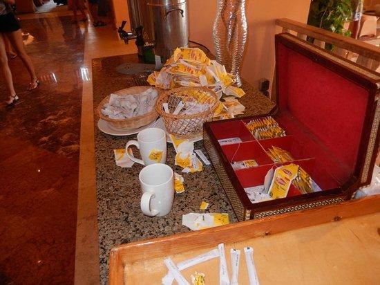 Strand Beach and Golf Resort Taba Heights: Tea table