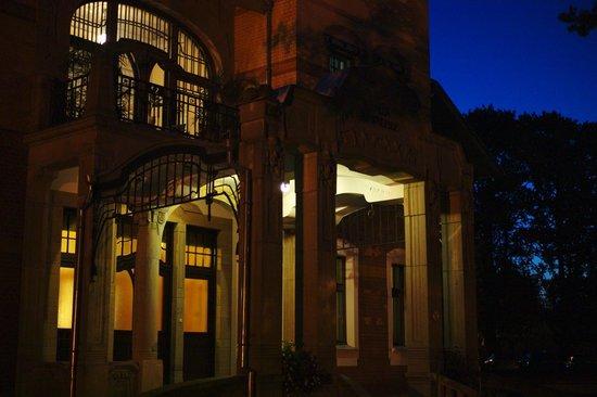 Ammende Villa : Villa Ammende @ night