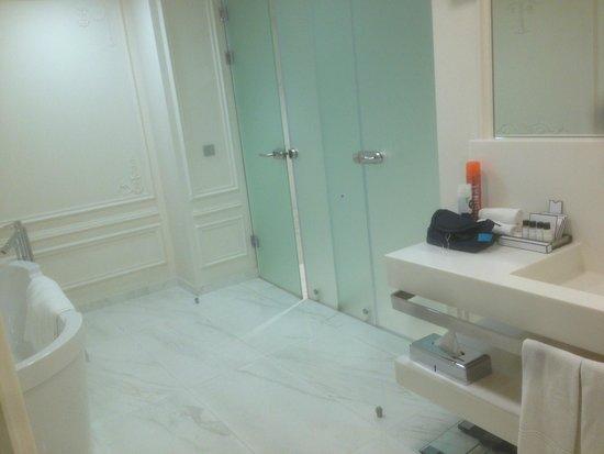 Crowne Plaza St. Petersburg - Ligovsky: Bathroom