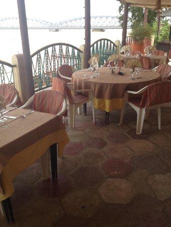 Flamingo Restaurant : Table view
