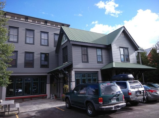 Crested Butte International Lodge & Hostel: Outside
