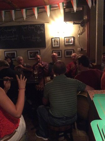 Bofey Quinns Bar & Restaraunt: Another great session