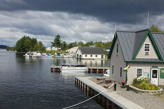 Greenville Inn at Moosehead Lake: dock close to hotel, where boat ride around Mooselake begins