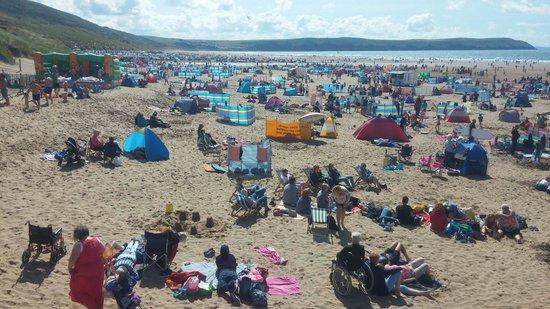 Woolacombe Beach: Very busy beach