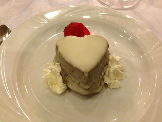 Blumen Stube: Sacher al cioccolato bianco