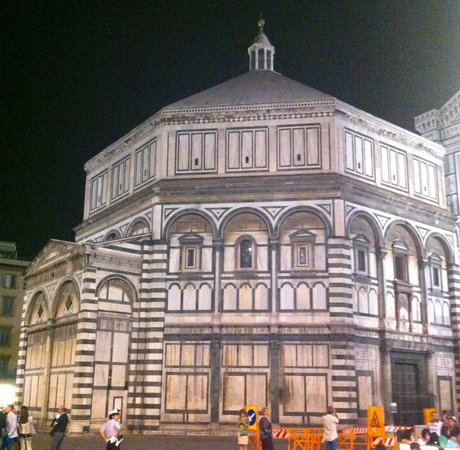 Baptistery of San Giovanni (Battistero): The Baptistry at night