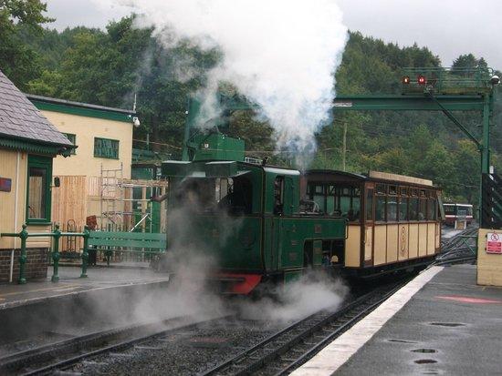 Snowdon Mountain Railway: Back at Llanberis