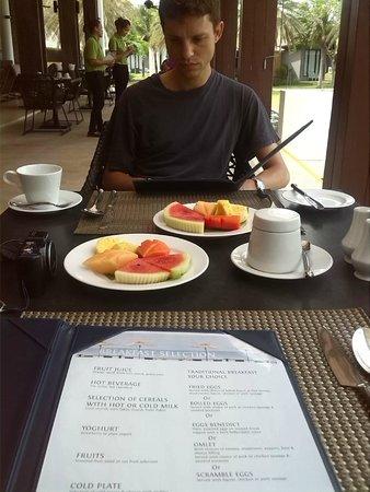 Twin Lotus Resort & Spa: El desayuno