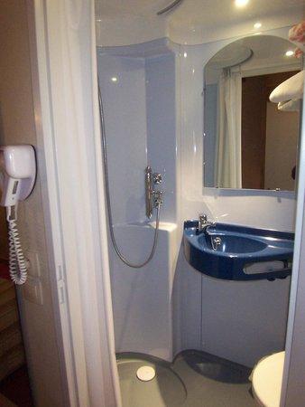 Les Bernards: salle de bain