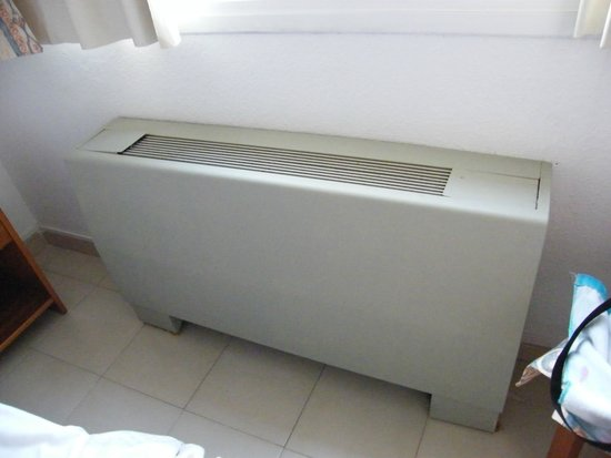 Eix Lagotel: air condition in the bedroom