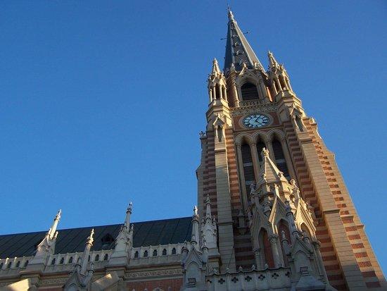 Catedral de San Isidro: HERMOSA
