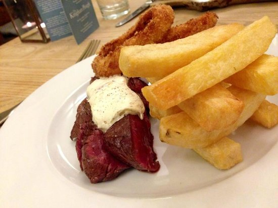 The Kingham Plough: Rare steak