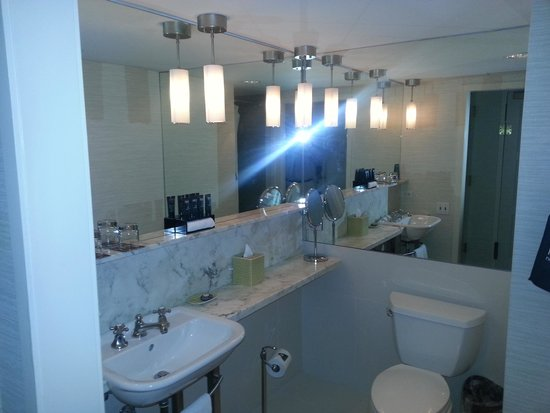 IBEROSTAR 70 Park Avenue Hotel: Bathroom