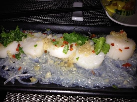Orchid Restaurant at the Studley Hotel: steamed scollops