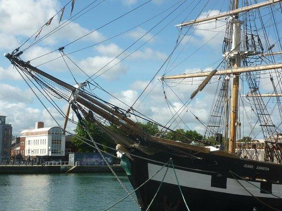 Jeanie Johnston Tall Ship and Famine Museum: Jeanie Johnston