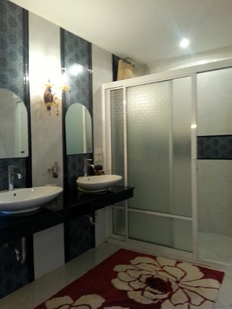 Thai Bathroom Picture of JL Jackyshow Boutique Homestay Chiang