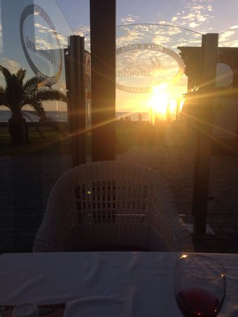 Maximilians Restaurant Pizza&Pasta-Boulevard El Faro: Nice place to watch the sunset :)