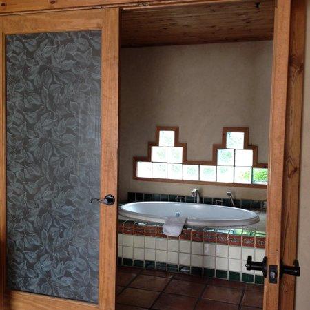 The Maverick Inn: Awesome bathroom in room 52