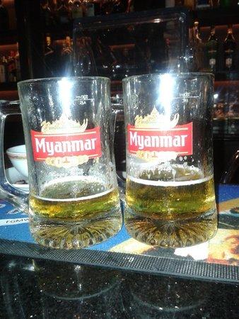Sule Shangri-La Yangon : el bar