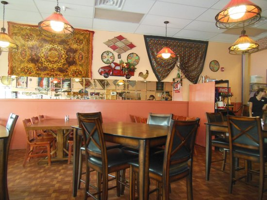 Ali Baba Express: The restaurant is decorated with charming objects from the Middle East